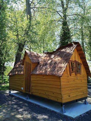 Cabane magique bordée de la rivière la Selle Somme