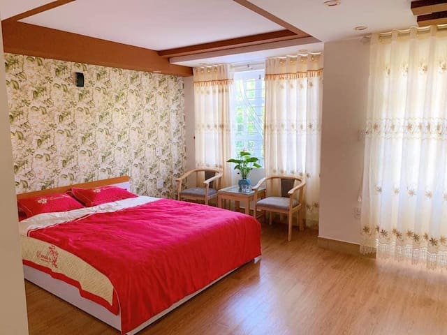 VanCao Green Homestay Deluxe room with balcony