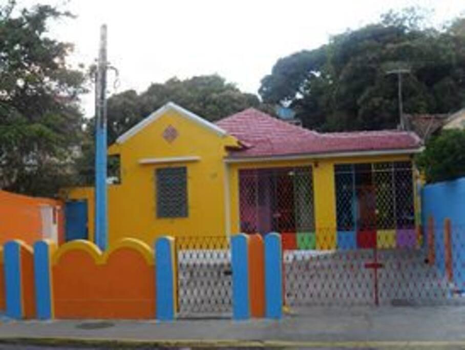 Pertinho do Centro Histórico de Olinda, Próximo ao Recife e ao Centro de Convenções.