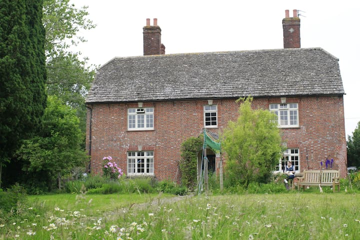 Lower Shaw Farm 2 - Swindon - House