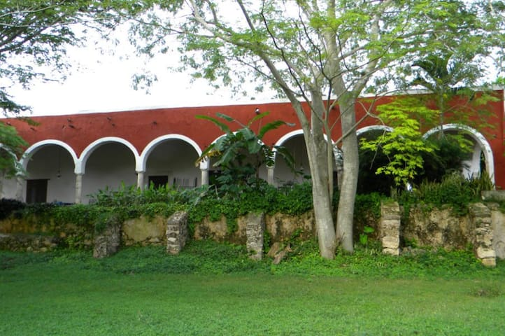 Your Own 17th C. Hacienda Updated: Estate for 14 - Abala - Vila