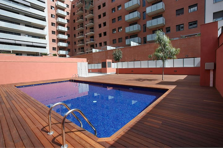 Great apt with swimming pool