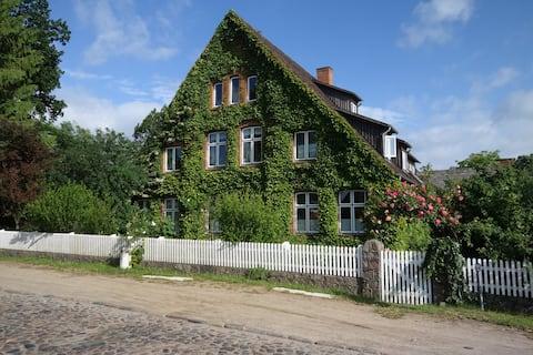 Cozy Premium Eco Apartment in Resthof