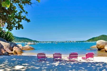 Unique beach property Duplex House - Governador Celso Ramos - House