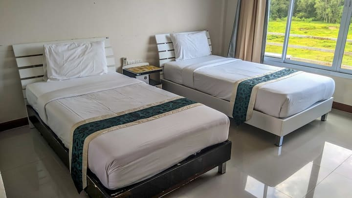 Budget Twin room with free breakfast in Khanom