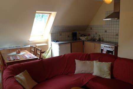 Ferienwohnung: ruhig und gemütlich - Hohenlockstedt - Byt