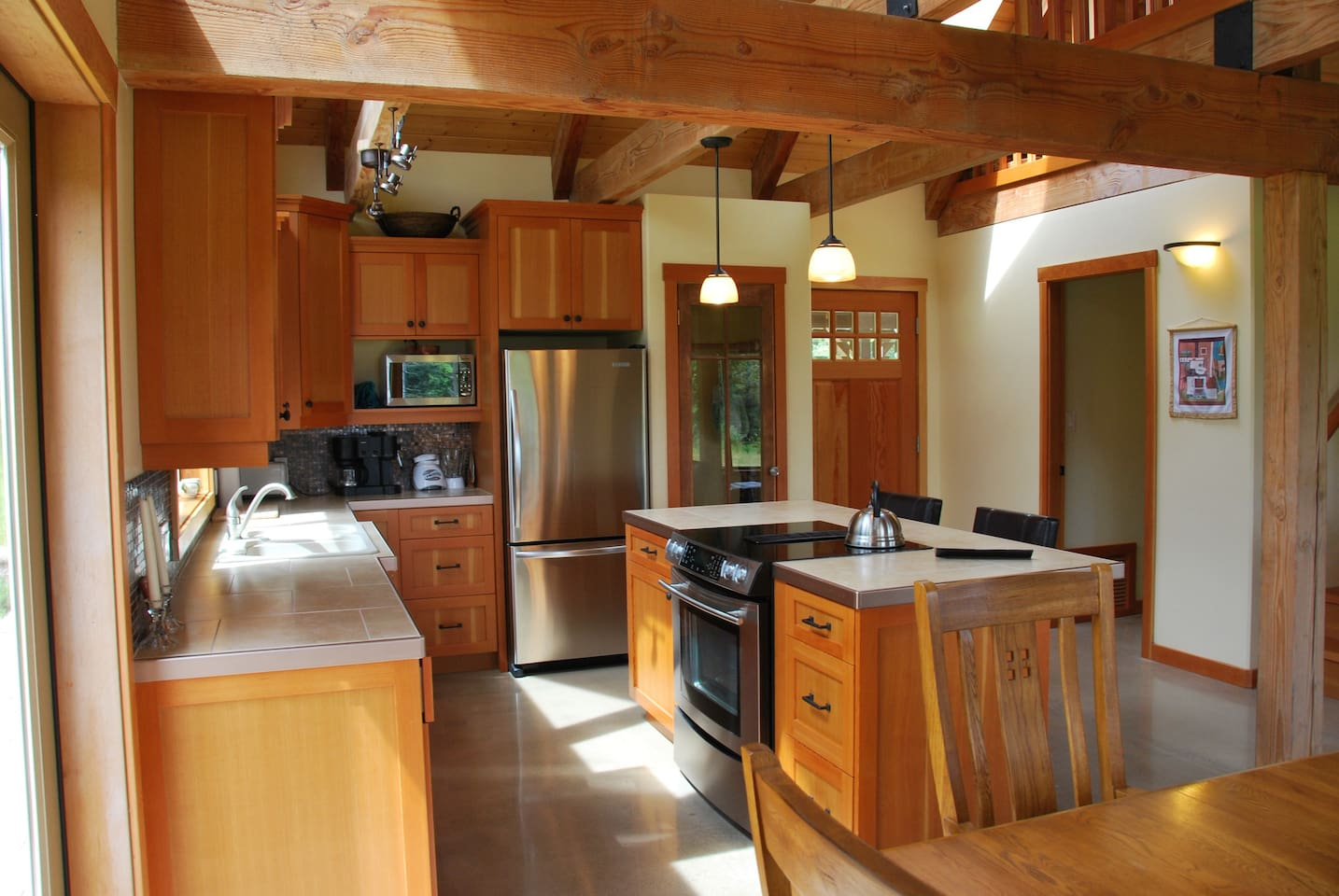 Fully equipped and beautifully crafted kitchen