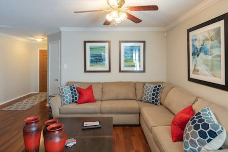 Meticulously Clean 4BR Frisco Retreat, 6 Smart TVs