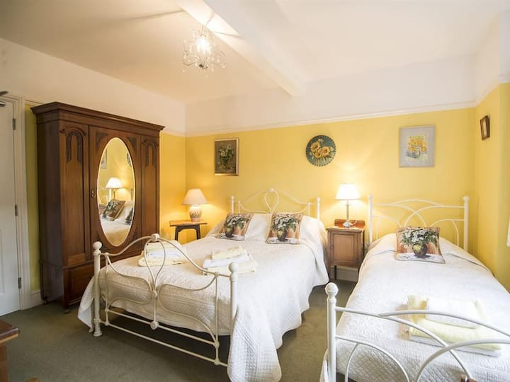 Room 4 at No. 21 Guest Accommodation