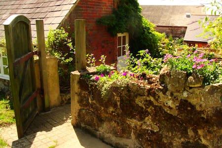 Barn Cottage, on The Garlic Farm - Isle of Wight
