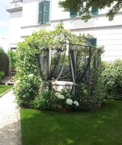 Open space in villa Liberty garden - Tuscania