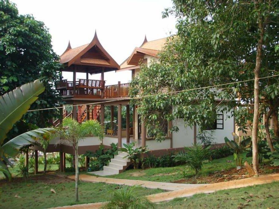 Side of Villa, Main entrance