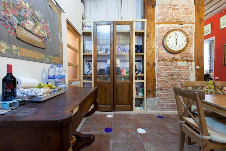 Habitacion madrid arguelles moncloa palacio real for Alquiler habitacion plaza espana madrid