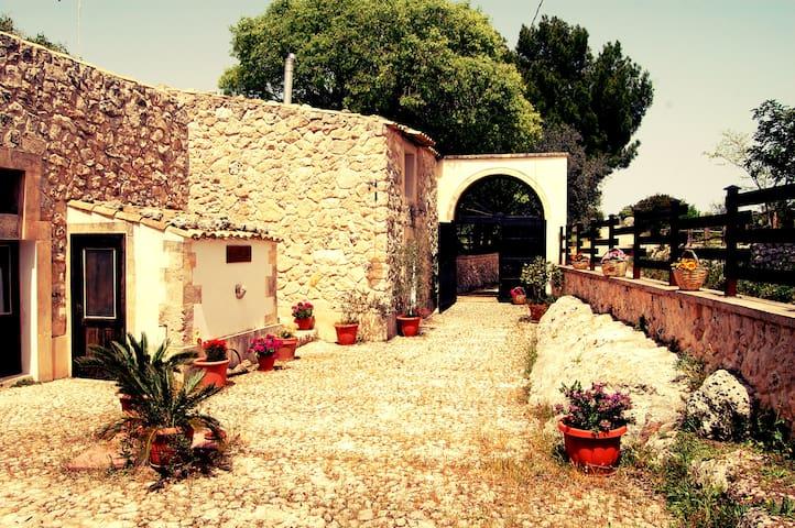 Charming Sicilian Countryhouse - Noto - Villa