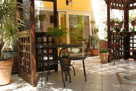 Independent studio on garden - Cagliari