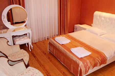 Baku Butik Orange Room - Bakı