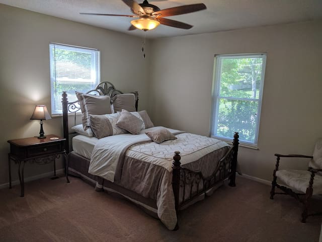 West Knox Private Room w/Easy Access To I40/75