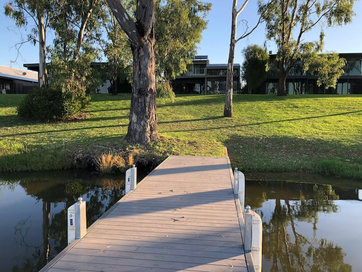 Allure Waters Bundalong - Own Private Jetty.