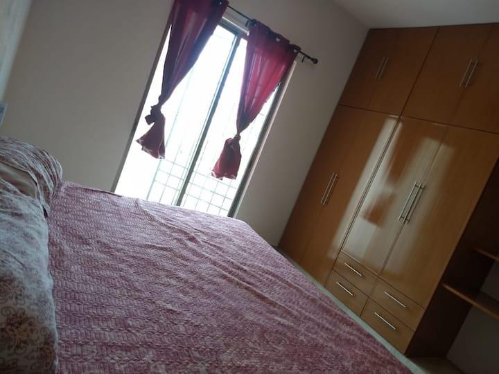 Habitación Boho Villa de Álvarez con cama KingSize