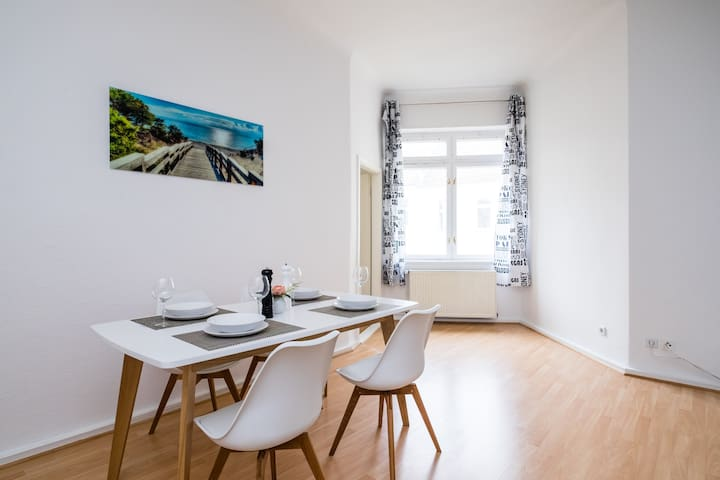 Spacious city flat in Prenzl Berg