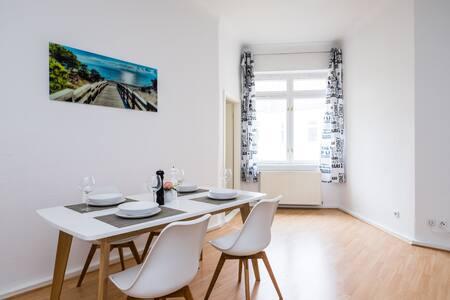 Spacious city flat in Prenzl Berg