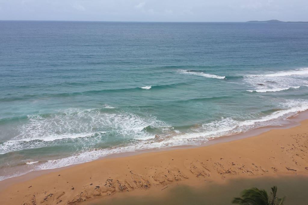 La Pared beach surfing area
