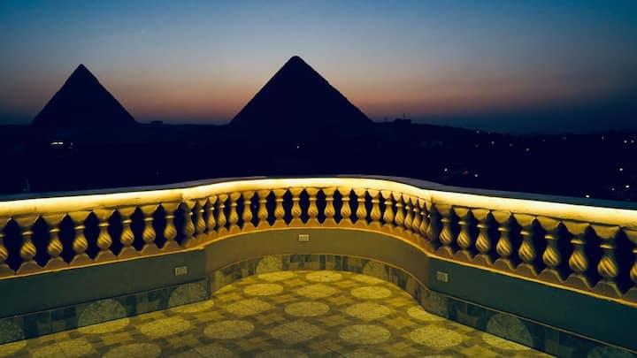 Queen pyramids view Inn 3