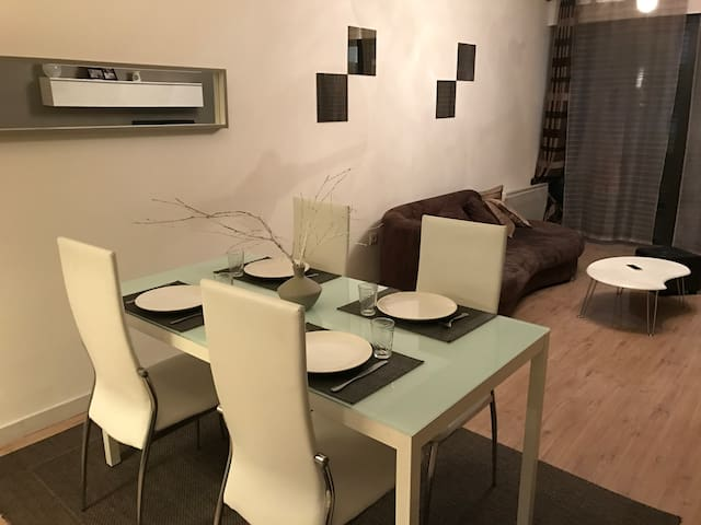 Chambre privée proche Gares/Grand Palais + parking - Lille - Casa