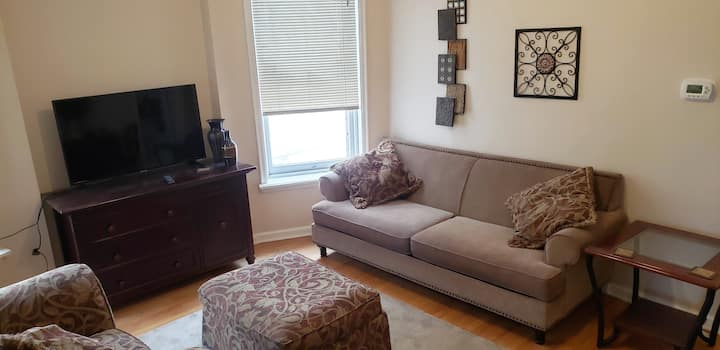 Midtown Duplex, updated 2 bedroom - No Smoking