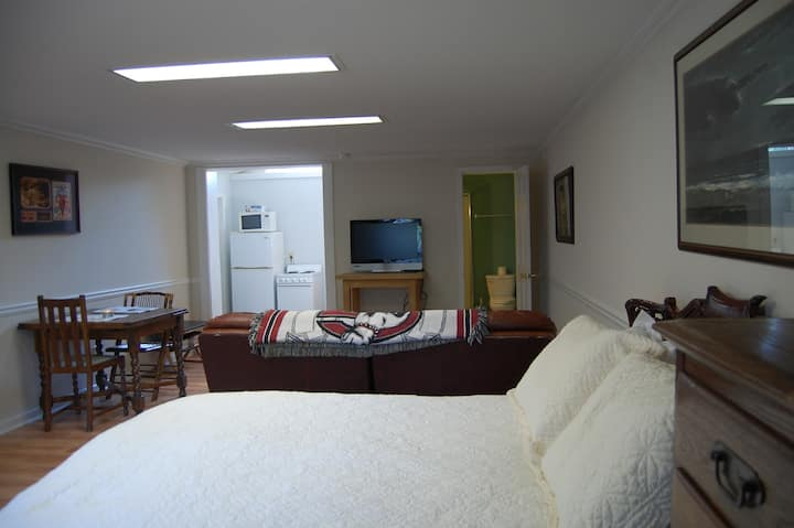 Guest house in heart of 5 points