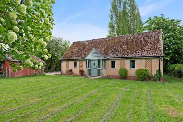 A charming, remote Cotswold Cottage near Eynsham - Eynsham - Huis