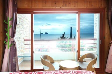 17평형 패밀리룸 SEASIDE HOUSE(바닷가하우스펜션) - Daejeong-eup, Seogwipo