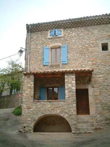 """location gite  """"Le Petit Pomerolle"""" - Francillon-sur-Roubion - Apartment"""