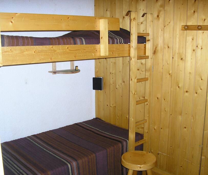 3 couchage lit gigogne en bas