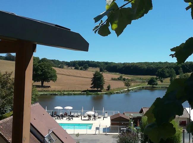 chalet au camping***  calme - Saint-Germain-les-Belles - Chalet