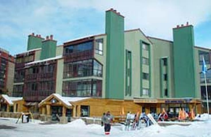 Copper Junction Ski In/Out Sleeps 6 - Copper Mountain - Appartement