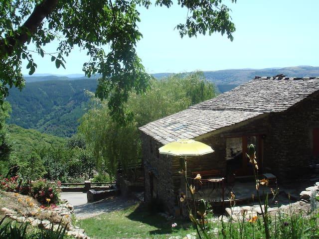 """Gîte """"La Draille"""" - Saint-Julien-d'Arpaon - Casa"""