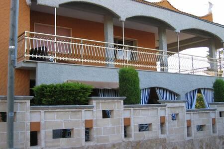 Casa sul mare vicino a  Torre Ovo