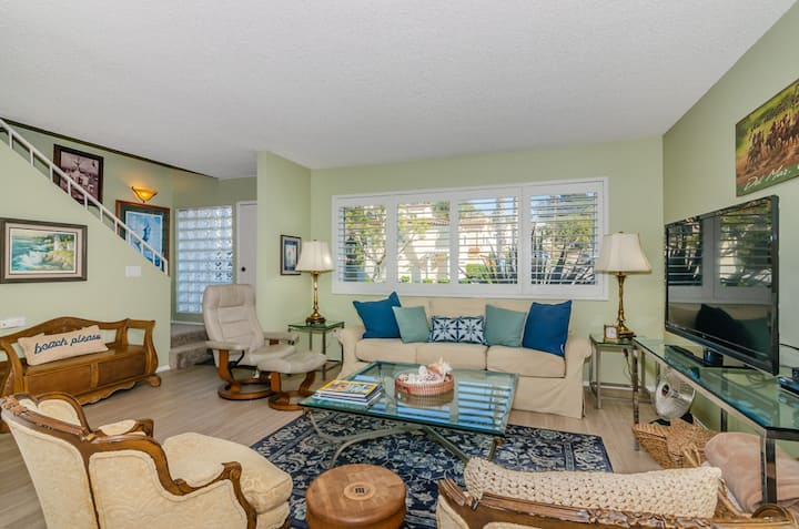 Solana Beach Condo - Private Patio with BBQ, Community Pool!