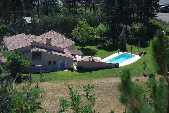 Haut de Villa Calme Garantie Lac/Vol à Voile - La Motte-du-Caire - Apartmen