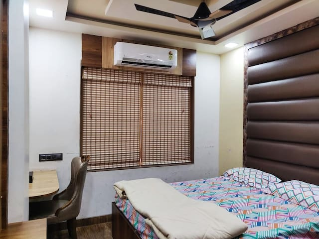 Luxurious Private Room Serviced Apt LNT saki vihar