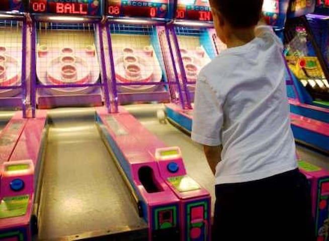 Pesos O Plenty Arcade