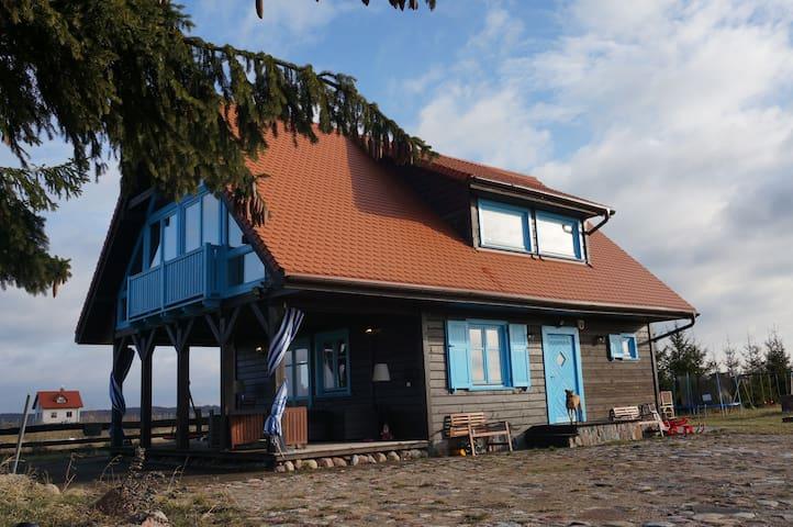 Drewniany dom nad jeziorem Jagodne - Mikolajki