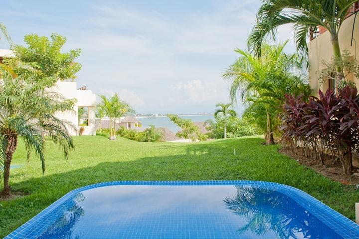 Beautiful Oceanfront Villa