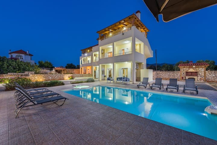 NIKOLETA  villa,swimming pool,barbecue & sea view