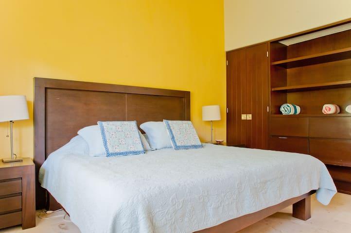 Bedroom 3 - King sized bed - main floor