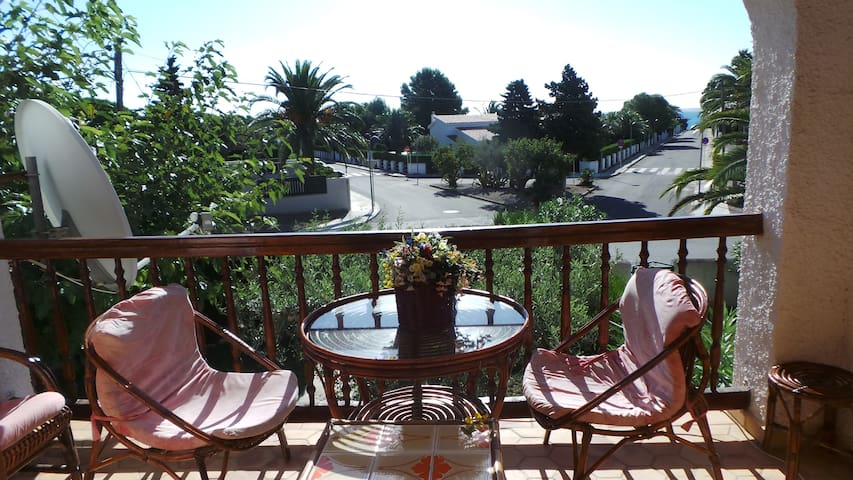 Apartment 200 mts from sandy beach - sleeps 6 - Cap Roig - Квартира