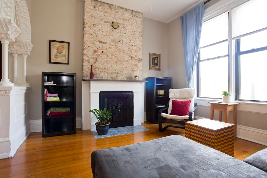 3 Bedroom Charming Vintage Hideaway Apartments For Rent In Chicago Illinois United States