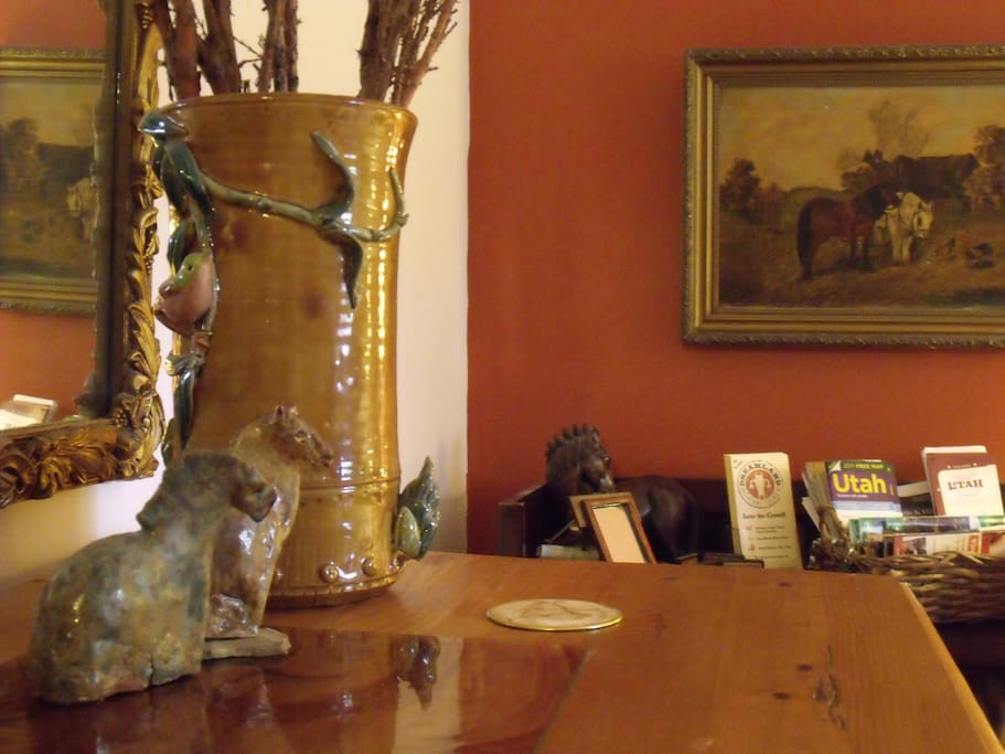Your guest room has maps, hiking guides, art & all you could need...