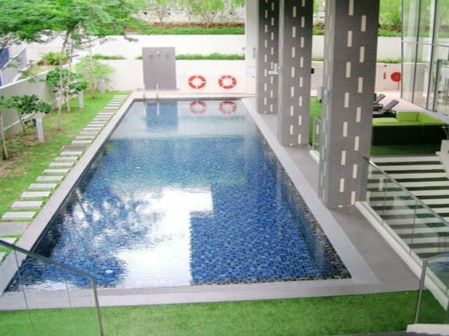 Modern apartment in city central great for couples - Singapore - Osakehuoneisto